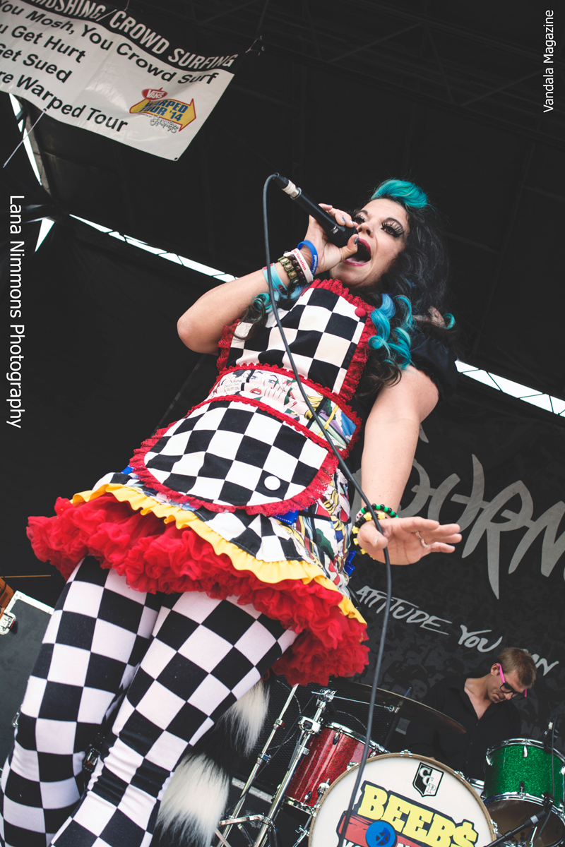 c19d72a84b Beebs and Her Money Makers at Vans Warped Tour in Montreal