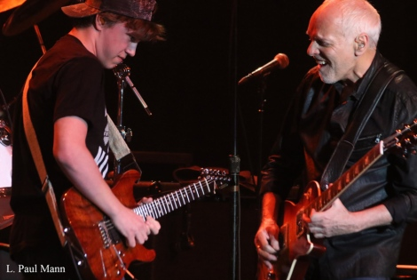 Peter-Frampton-Rocks-Fifth-Annual-Notes-For-Notes-Concert