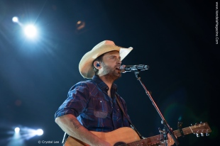 Dean-Brody---Vandala-Magazine-Photo-Credit-Crystal-Lee (1)