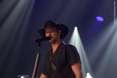 Paul-Brandt-Vandala-Magazine---Photo-Credit-Crystal-Lee-2 (7)